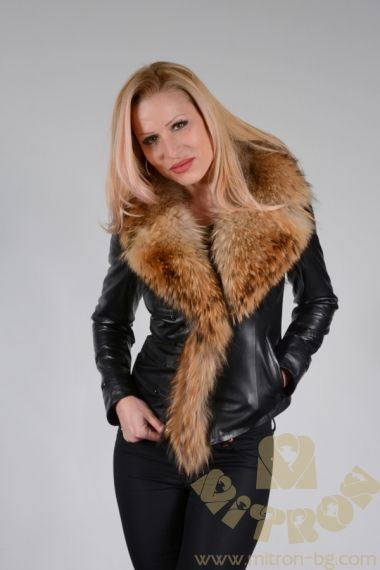A449 -  LADIES WHICH IS LAMBLE LEATHER