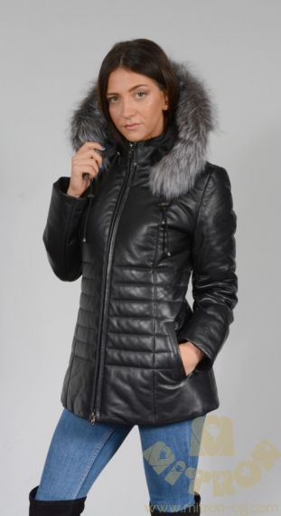 AA82 -  LADIES WHICH IS LAMBLE LEATHER