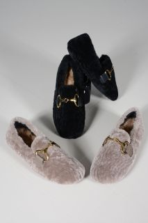 889- Ladies slippers lambskin